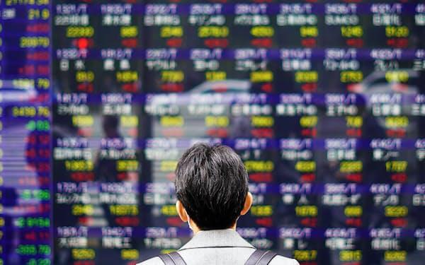 若年層の流入でネット証券の口座が増えている。