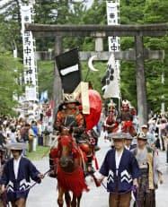 相馬野馬追の出陣式が行われる相馬中村神社(福島県相馬市)=共同