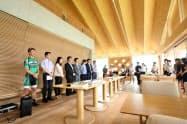 参加企業や自治体が1分間で自社を紹介する時間も設ける(ヤマガタデザインが自社で開催した転職フェア、2018年)