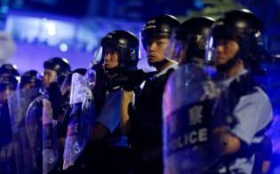 香港で「逃亡犯条例」改正案をめぐる対立が深まっている=ロイター