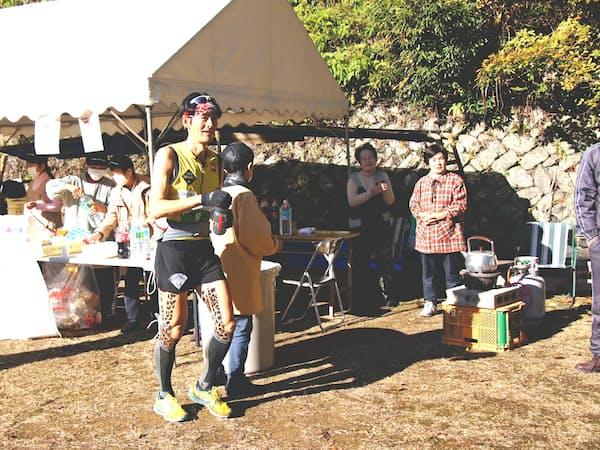 トレイルランのレースは過疎地域の高齢者にお世話になっている(三重県熊野市)
