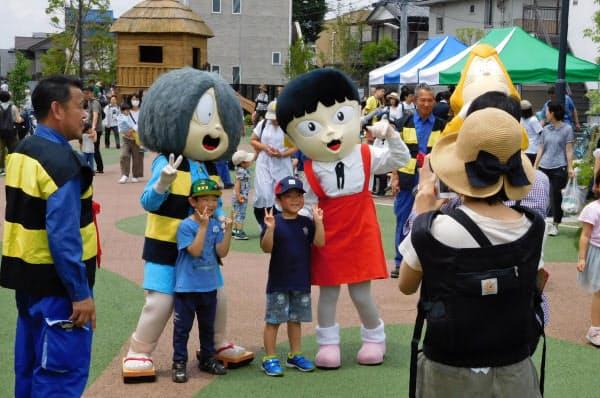 東京都調布市が寄付を募り整備した「鬼太郎ひろば」は成功したが、市全体では流出超過だ