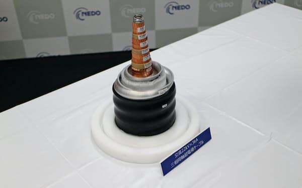 実証実験に使う超電導ケーブル