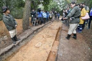 宮内庁と堺市が大山古墳で行った共同発掘現場の報道公開(2018年11月、堺市)