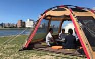 スノーピークが信濃川に展開する「キャンピングオフィス」(新潟市)
