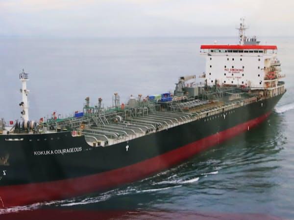 ホルムズ海峡付近を航行中に攻撃を受けた船舶