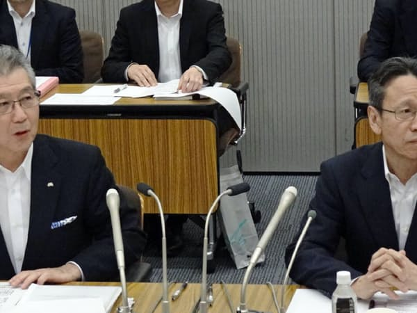 電事連の岩根新会長(写真右)は原子力発電の課題に取り組む