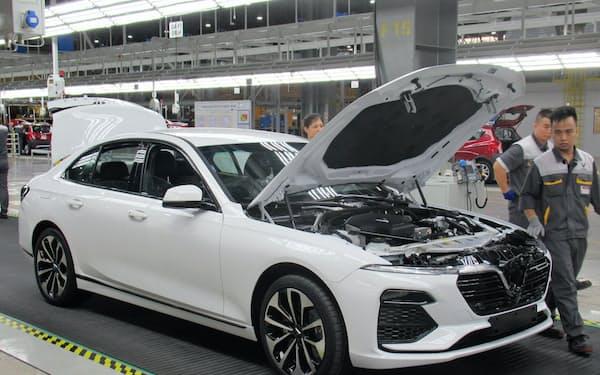 ビングループは構想から2年弱で自動車工場の開所式にこぎ着けた(14日、ベトナム・ハイフォン市)