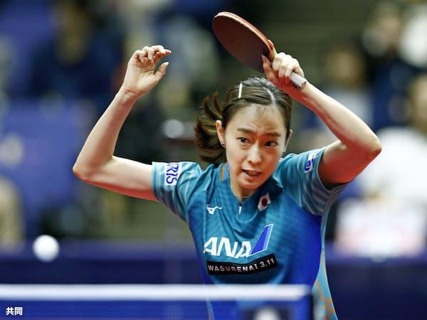 女子シングルス2回戦で敗退した石川佳純(14日、北海きたえーる)=共同