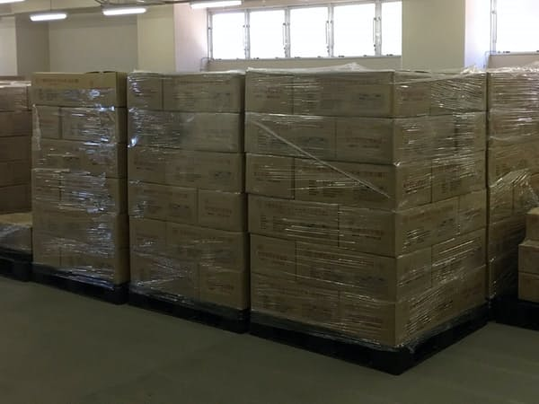 東京都が倉庫に保管する防災備蓄食品