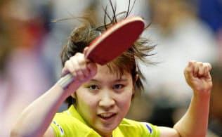 女子シングルスで準決勝進出を決めた平野美宇(15日、北海きたえーる)=共同