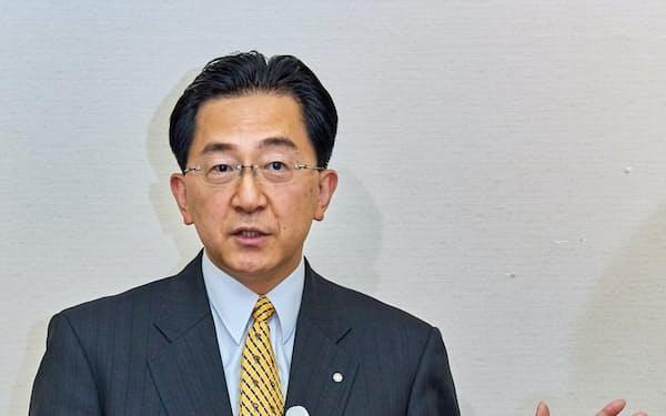 記者会見で岩手県知事選出馬を表明した達増拓也氏(盛岡市)