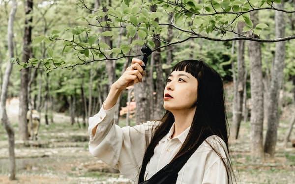 プロ並みのおしゃれな動画が手軽に撮影できる超小型カメラ。市川渚さんも日常的に愛用する