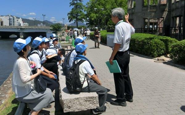 現在は近畿や中国地方の学生が多くを占める(広島市の平和記念公園)
