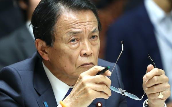 金融審議会は老後に2000万円不足すると指摘したが(麻生金融相)