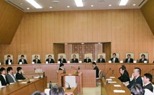 13年の法廷の様子(弾劾裁判所提供)