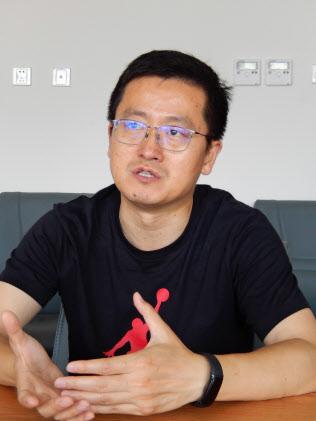 中国社会科学院の張明研究員