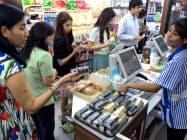 サハ・グループがタイで運営するローソンの店舗(バンコク)