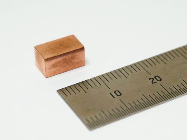 村田製作所が新たに開発した全固体電池は容量の大きさが特長だ