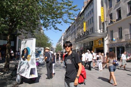 海外遠征で訪れた街でまちづくりのヒントを求めて歩く