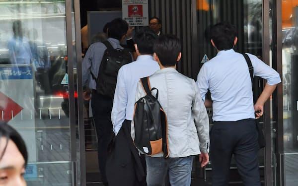 LIXILの株主総会では、瀬戸欣哉・元CEOが推す取締役候補が過半数になった(25日)