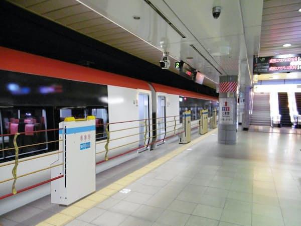 成田空港駅では昇降式のホーム柵を整備する(イメージ)