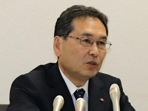 就任後、初めての記者会見に臨んだ四国電力の長井啓介新社長(26日)