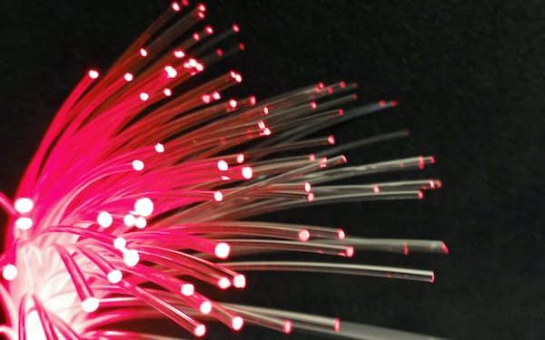 日東電工は新たな収益源の開拓を急ぐ(プラスチック光ケーブル)