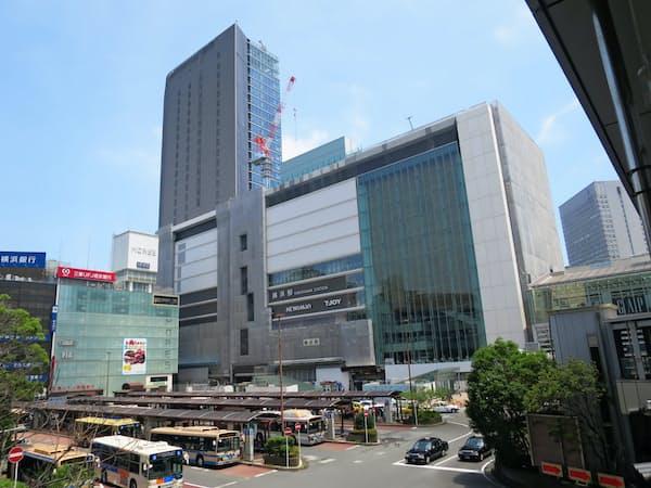横浜駅西口ではJRなどによる再開発が進む(横浜市)