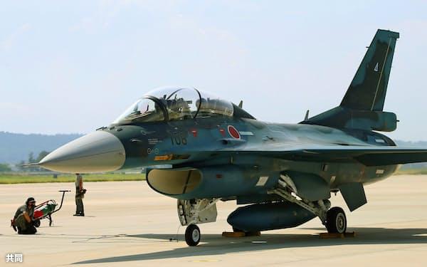 30年代半ばから退役を迎えるF2戦闘機=航空自衛隊提供