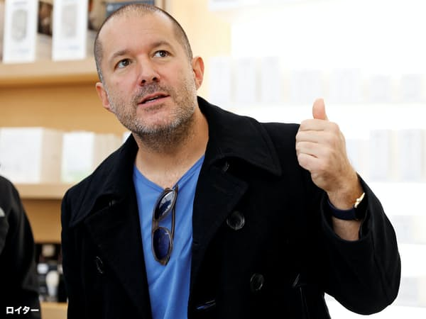 アップルを退社する意向を表明したデザイン責任者のジョニー・アイブ氏=ロイター