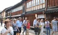 金沢市を訪れる外国人観光客