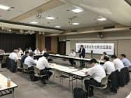 近江鉄道は民間事業者の経営努力で経営を継続することは困難であることを説明した(滋賀県東近江市)