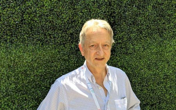 トロント大学のヒントン名誉教授は「AIのゴッドファーザー」の異名も持つ著名研究者。