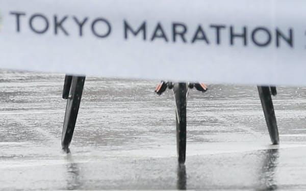 雨のレースを制して東京マラソン初優勝。主要マラソンを総なめにした