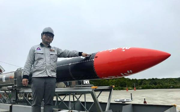 モモ4号機は宇宙から紙飛行機を飛ばす試みに挑戦する