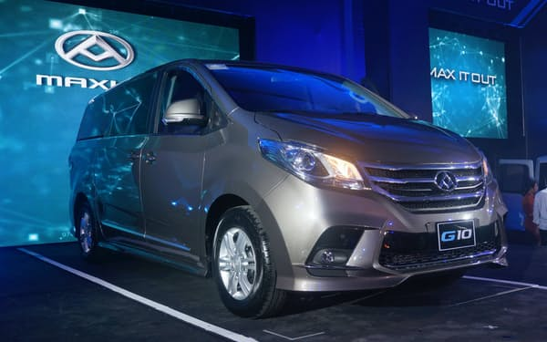 アヤラの傘下企業がフィリピンで発売した上海汽車集団の「MAXUS」ブランドの多目的車(6月、マニラ)