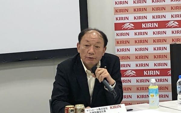 キリンビールの布施孝之社長は1~6月の販売実績について記者会見を開いた。(8日、東京・中野)
