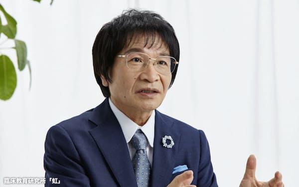尾木直樹(おぎ・なおき)氏 1947年滋賀県生まれ。早稲田大教育学部を卒業後、中学、高校、大学の教員を計44年間務める。約230冊の著作の中には体罰を使わない子育てを提唱するものが多数ある。