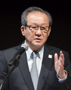 アシックスの尾山会長CEO