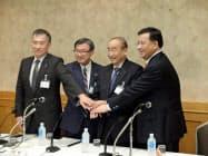 日中の化学業界が連携した(左から石油化学工業協会の森川宏平会長、日本化学工業協会の淡輪敏会長、中国石油・化学工業連合会の李寿生会長など)