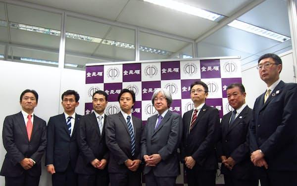順天堂大は企業6社と、認知症の早期発見などを目指す共同研究を始めると発表した(10日、東京・文京)