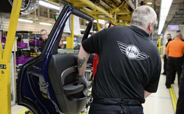 小型車「ミニ」を生産する独BMWの英工場=ロイター