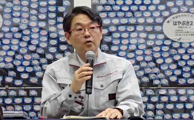 はやぶさ2の再着陸を前に記者会見するJAXA宇宙科学研究所の久保田孝・研究総主幹(11日、相模原市)