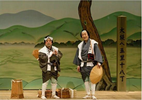 「色気噺お伊勢帰り」の喜六役の中村鴈治郎(左)と清八役の中村芝翫