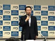 就任記者会見で抱負を述べる関東財務局の北村局長(11日、さいたま市)