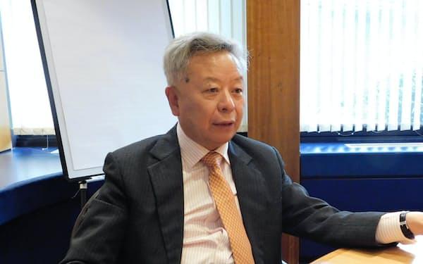 インタビューに応じるアジアインフラ投資銀行(AIIB)の金立群総裁