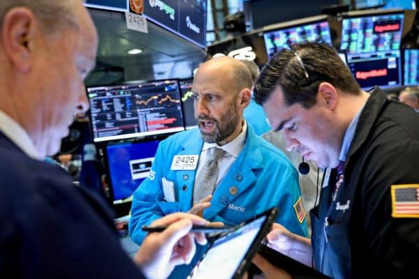 米株式市場では利下げ期待を受けた株高が続く(ニューヨーク)=ロイター