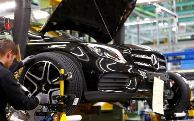 18年夏、ドイツの自動車産業が変調を来し、全欧州の製造業に落ち込みが波及していった(独南部にあるダイムラーのラシュタット工場)=ロイター