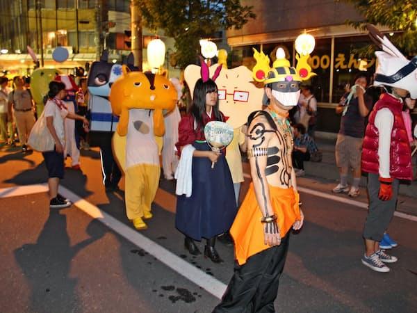 「上田わっしょい」では毎年、サマーウォーズのコスプレをした人が練り歩く
